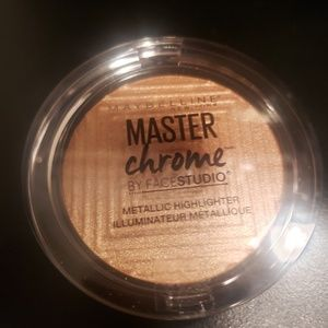 Maybelline Metallic Highlighter in Molten Gold